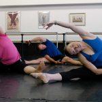Aprendiendo ballet.