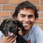 Dr. Vet con perro. ©NatGeo