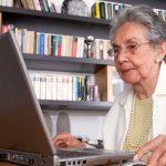Nunca es tarde para aprender computación. ©Shutterstock