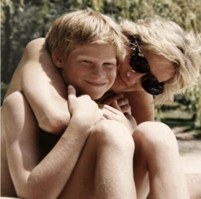La princesa Diana con su hijo Harry