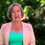 Libia González presentadora del programa para adultos mayores Canitas al Aire.