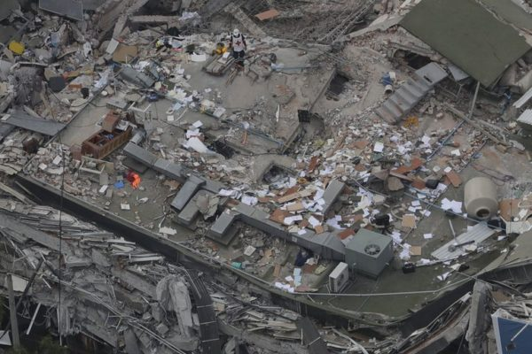 Terremoto México - AP Photo/Rebecca Blackwell