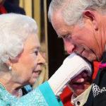 La Reina Isabel II y el Príncipe Carlos.