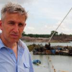 Reporter Richard Bilton investigates tin mining on Bangka Island. ©BBC