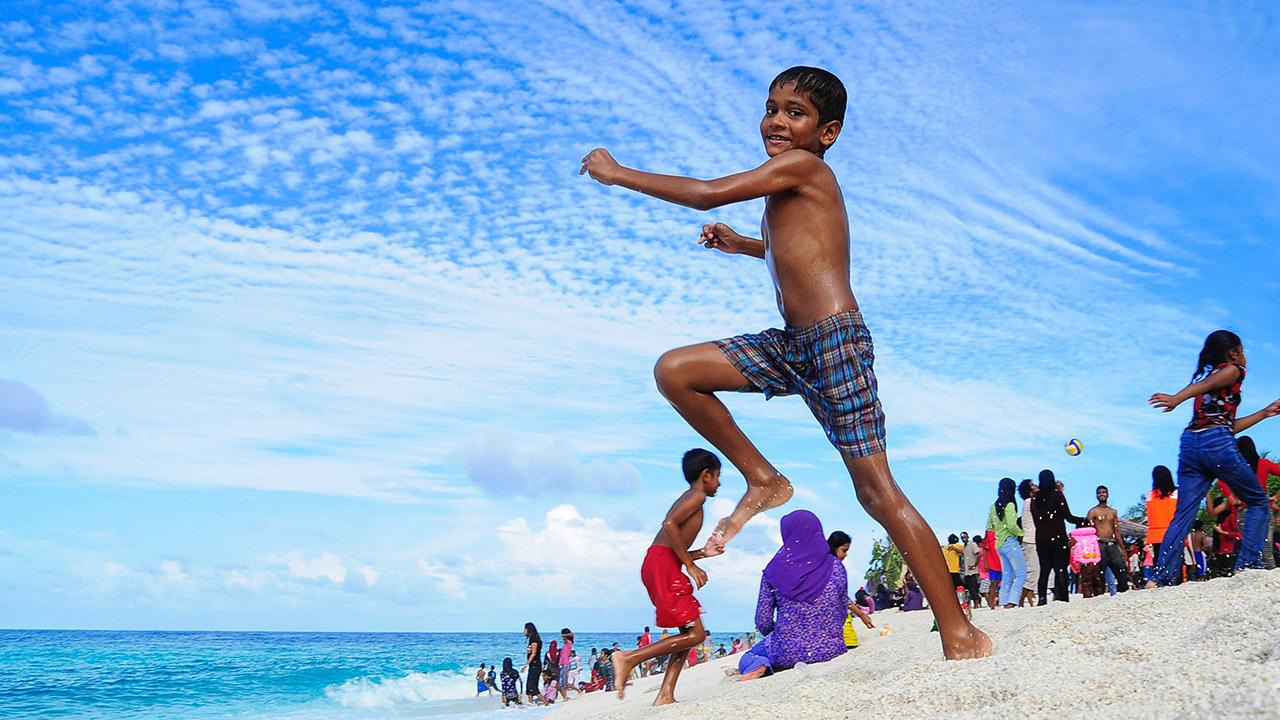 Tips prácticos para viajar con tus niños a tu país de origen