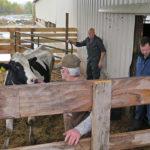 Dr. Pol listo para revisar vaca ©National Geographic:Justin Kerkau
