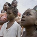Niños-marfileños-locales-en-la-aldea-de-Diamalabo,-Costa-de-Marfil.-©Homebrew-Films