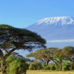 Nieve en la cima del monte Kilimanjaro en Amboseli ©Shutterstock