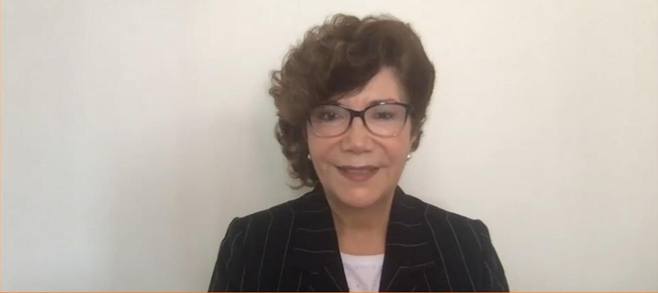 Voces del futuro presenta a Dina C. Castro, que habla sobre bilingüismo y raza